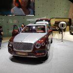 SUV-y po raz kolejny zdominowały salon, tym razem Bentayga od Bentley'a